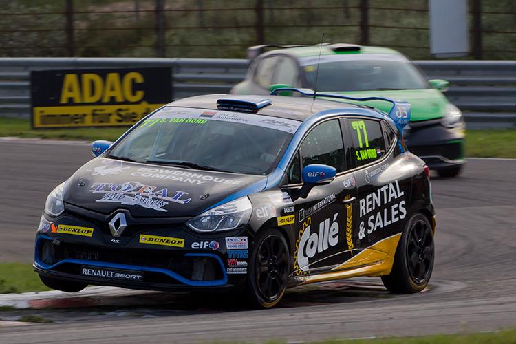 Certainty Racing Team: Stan van Oord rijdt 'mooiste race ooit' tijdens Clio Cup Central Europe in Zandvoort