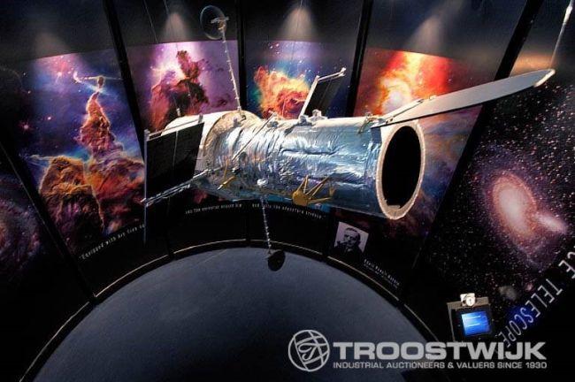 'NASA - A Human Adventure' expositie items in online veiling