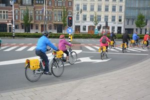 fietsende toeristen