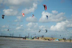 Kitesurfen bij Oostvoorne