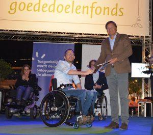 NHow Rotterdam krijgt het eerste keurmerk uit handen van Otwin van Dijk