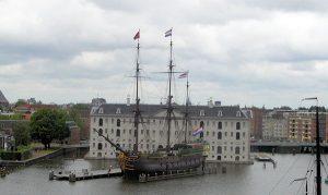 Het Scheepvaartmuseum Amsterdam zit in de gevarenzone. Zij kunnen nog wel een nieuw voorstel indienen.