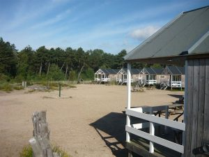 Strandhuisjes op camping Bakkum