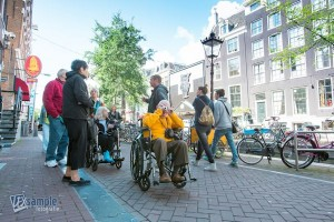 Toeristen in Amsterdam (foto Accessible Travel)