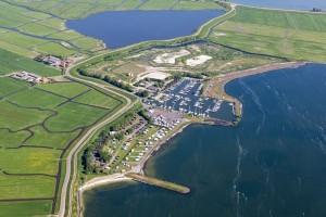 de haven en camping Uitdam