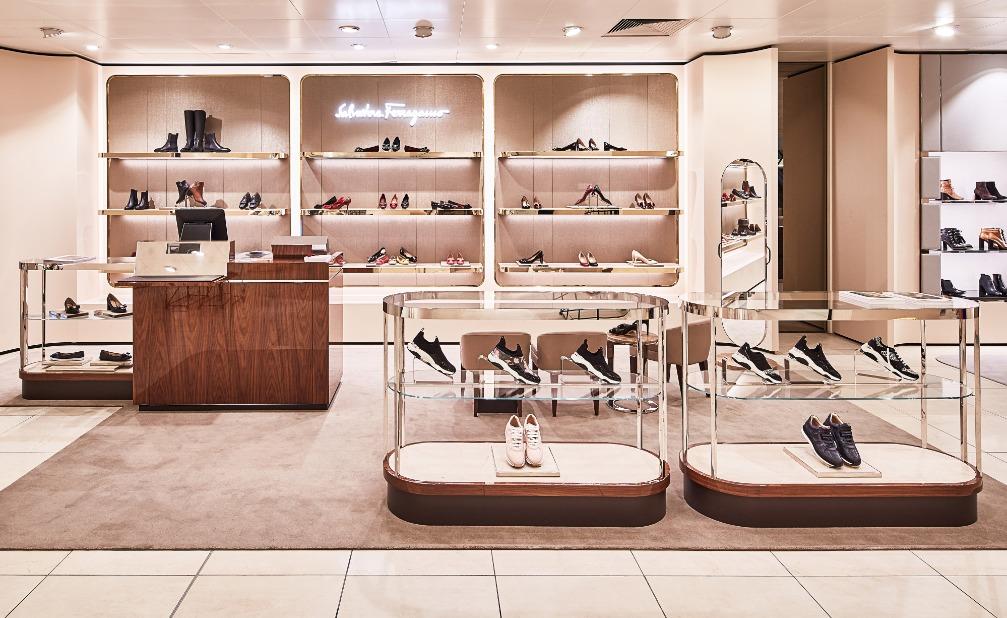 6d664afbaa2 Eerder creëerde de Bijenkorf al een mannenwereld op de eerste etage, met  onder meer een vernieuwde schoenenafdeling van vijfhonderd vierkante meter.
