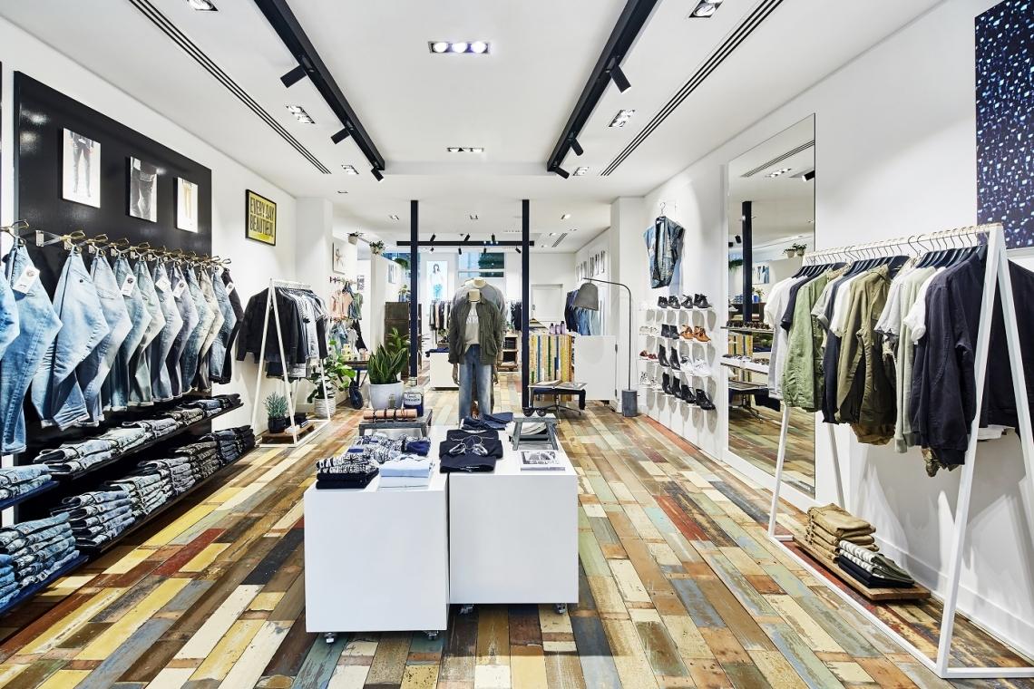 bc138d79eee De winkel in Den Haag is de achtste van Denham in ons land. Later dit jaar  komt er ook nog een winkel in Utrecht bij, vertelde oprichter Jason Denham  eerder ...