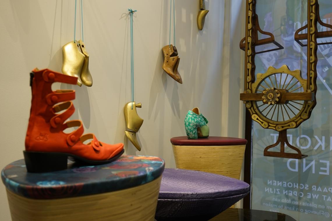 Het Amsterdamse Kunstproject Van John Fluevog Retailtrendsnl