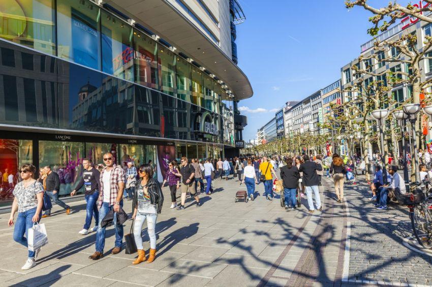 Zeil is drukste winkelstraat van Europa - RetailNews - RetailNews