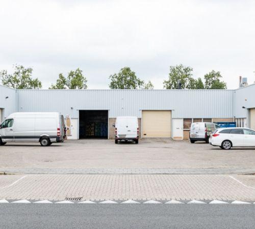 Gemeente Rotterdam verkoopt twee bedrijfsgebouwen in Hordijk Oost