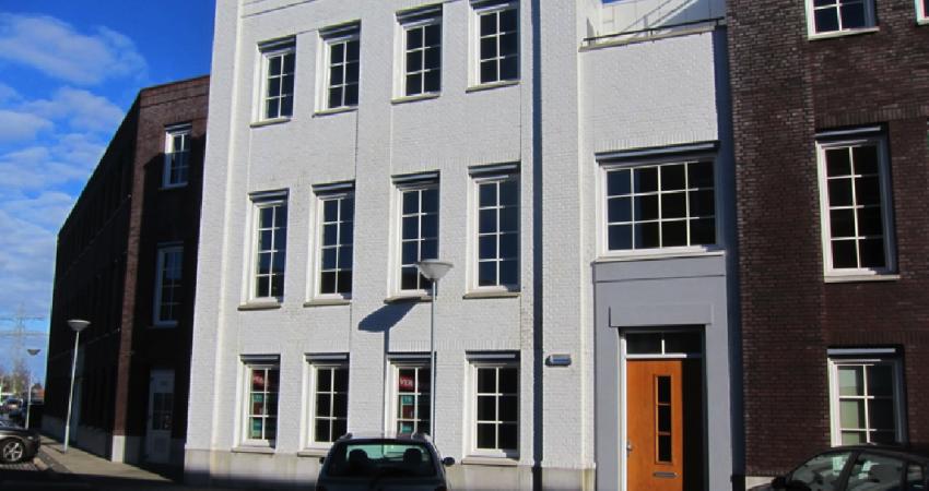 Bloembollenloods staat model voor kantoorpand Sassenheim