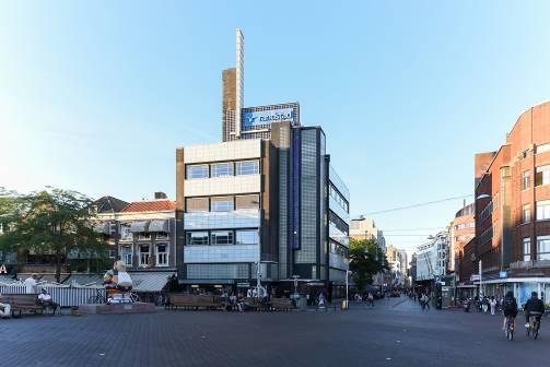 Communicatiebureau huurt bovenste verdieping Haags monumentaal pand