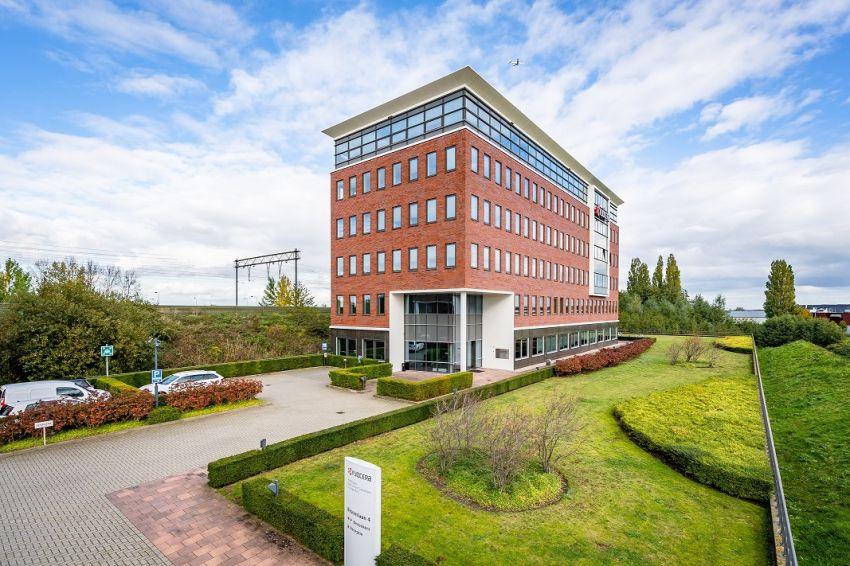 Vastgoedbelegger CORUM breidt opnieuw vastgoedportefeuille uit in Nederland